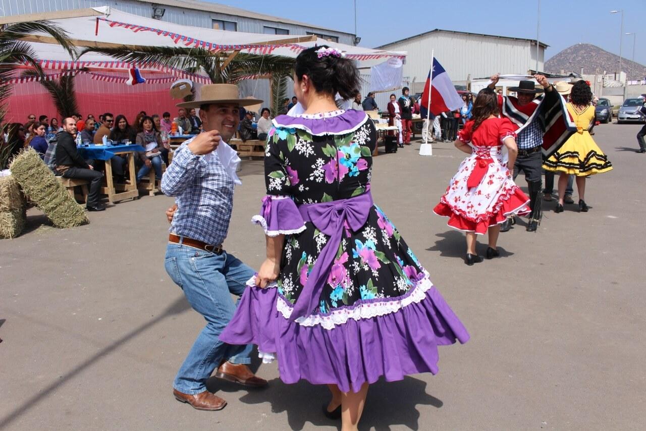 mas-cueca-constructora-rencoret-celebra-las-fiestas-patrias-2016
