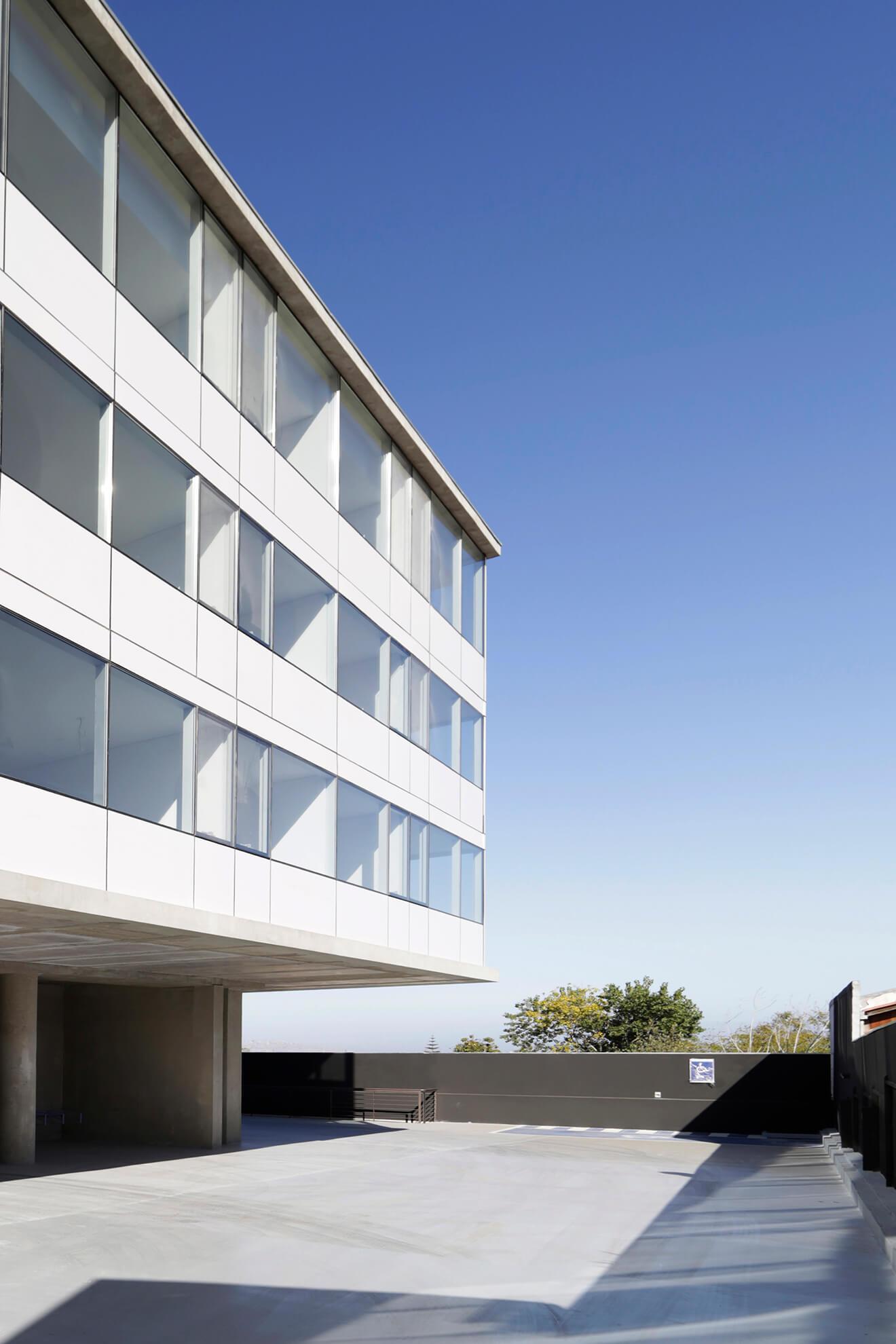 Edificio-Atrium-estacionamientos-construcción-constructora-Rencoret-La-Serena