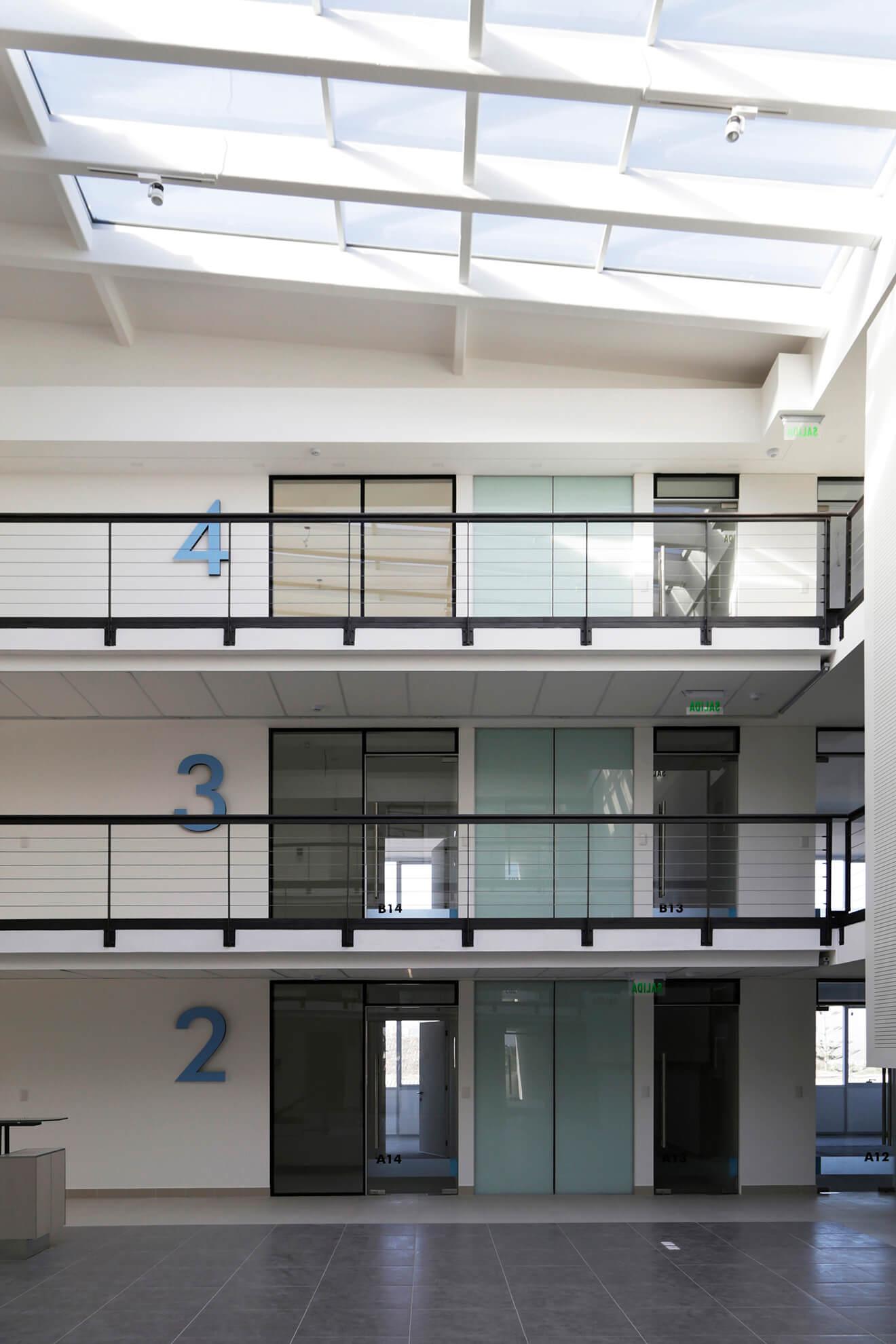 Edificio-Atrium-hall-construcción-constructora-Rencoret-La-Serena