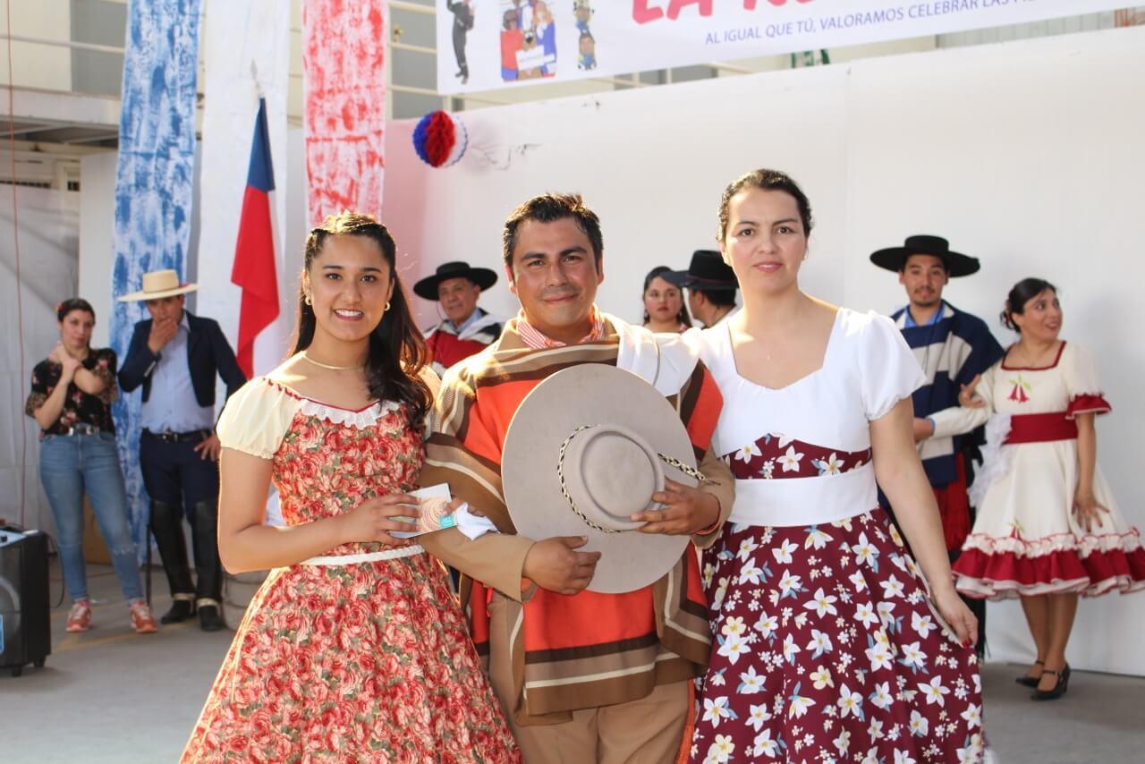 Fonda-La-Rencorosa-colaboradores-de-las-empresas-Rencoret-celebran-el-inicio-de-fiestas-patrias-11
