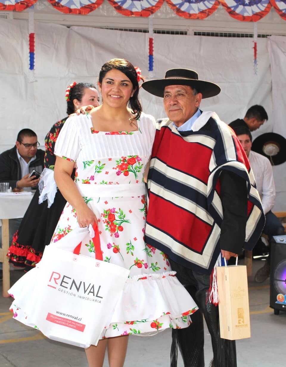 Fonda-La-Rencorosa-colaboradores-de-las-empresas-Rencoret-celebran-el-inicio-de-fiestas-patrias-13