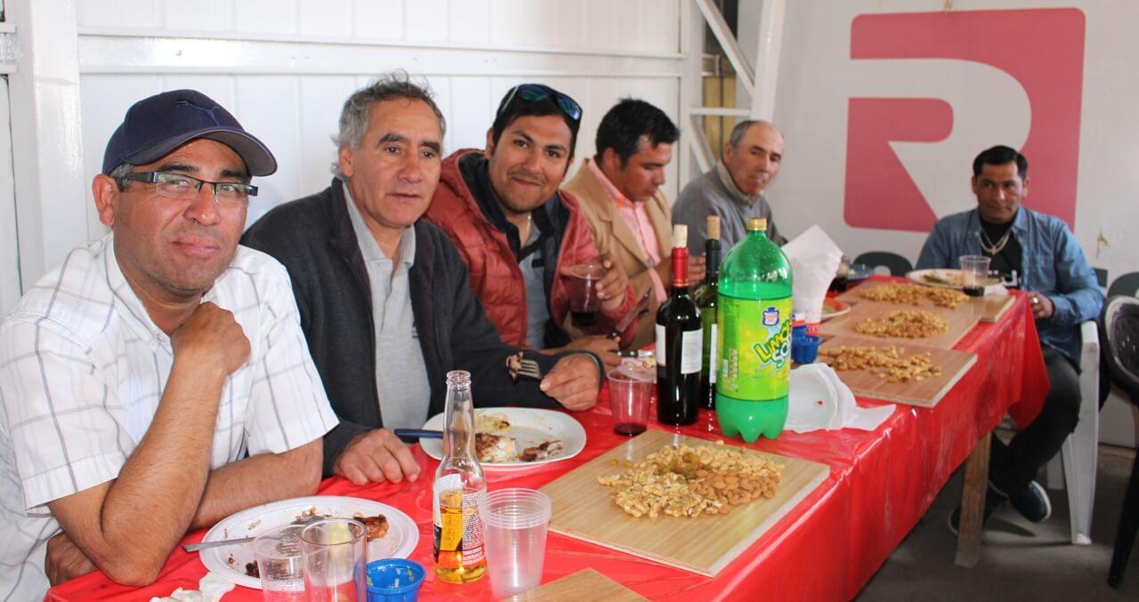 Fonda-La-Rencorosa-colaboradores-de-las-empresas-Rencoret-celebran-el-inicio-de-fiestas-patrias-4