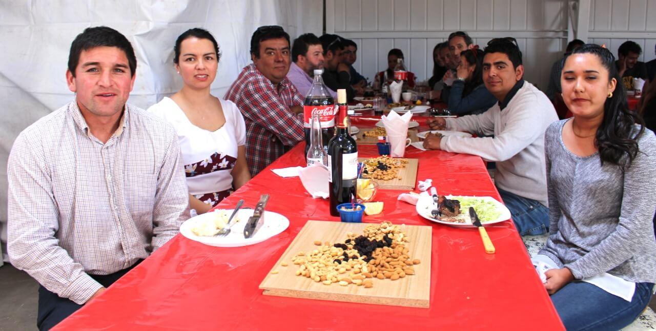 Fonda-La-Rencorosa-colaboradores-de-las-empresas-Rencoret-celebran-el-inicio-de-fiestas-patrias-7