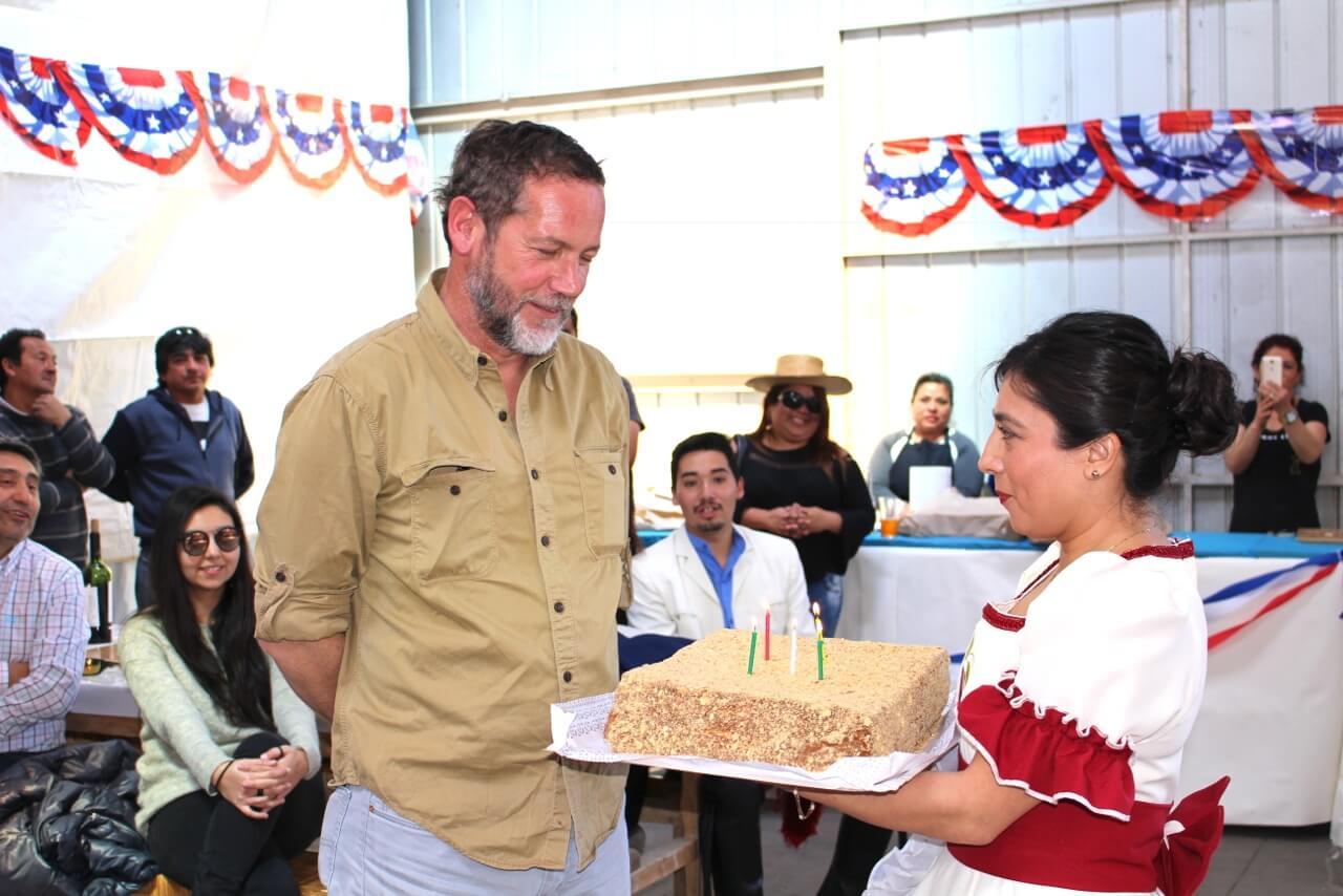 Fonda-La-Rencorosa-funcionarios-de-las-empresas-Rencoret-celebran-el-inicio-de-fiestas-patrias-cumpleaños-Christian-Ellies