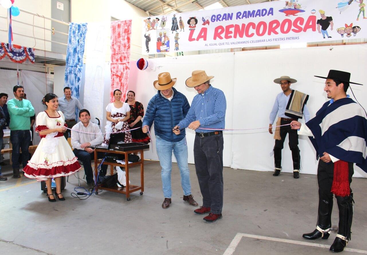 Fonda-La-Rencorosa-funcionarios-de-las-empresas-Rencoret-celebran-el-inicio-de-fiestas-patrias