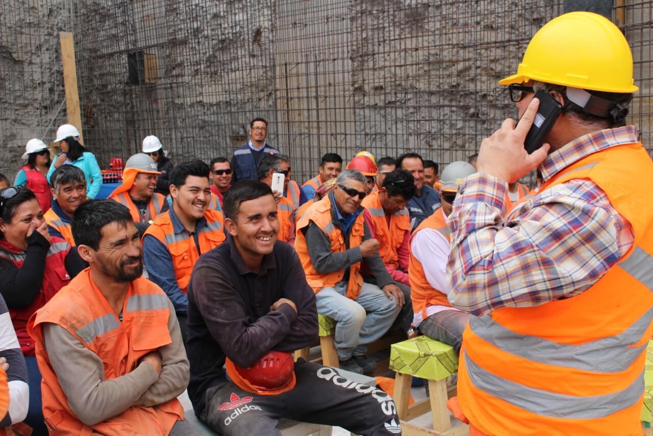 Celebración-Dia-del-trabajador-de-la-construcción-constructora-rencoret-edificio-san-lorenzo-La-serena-4