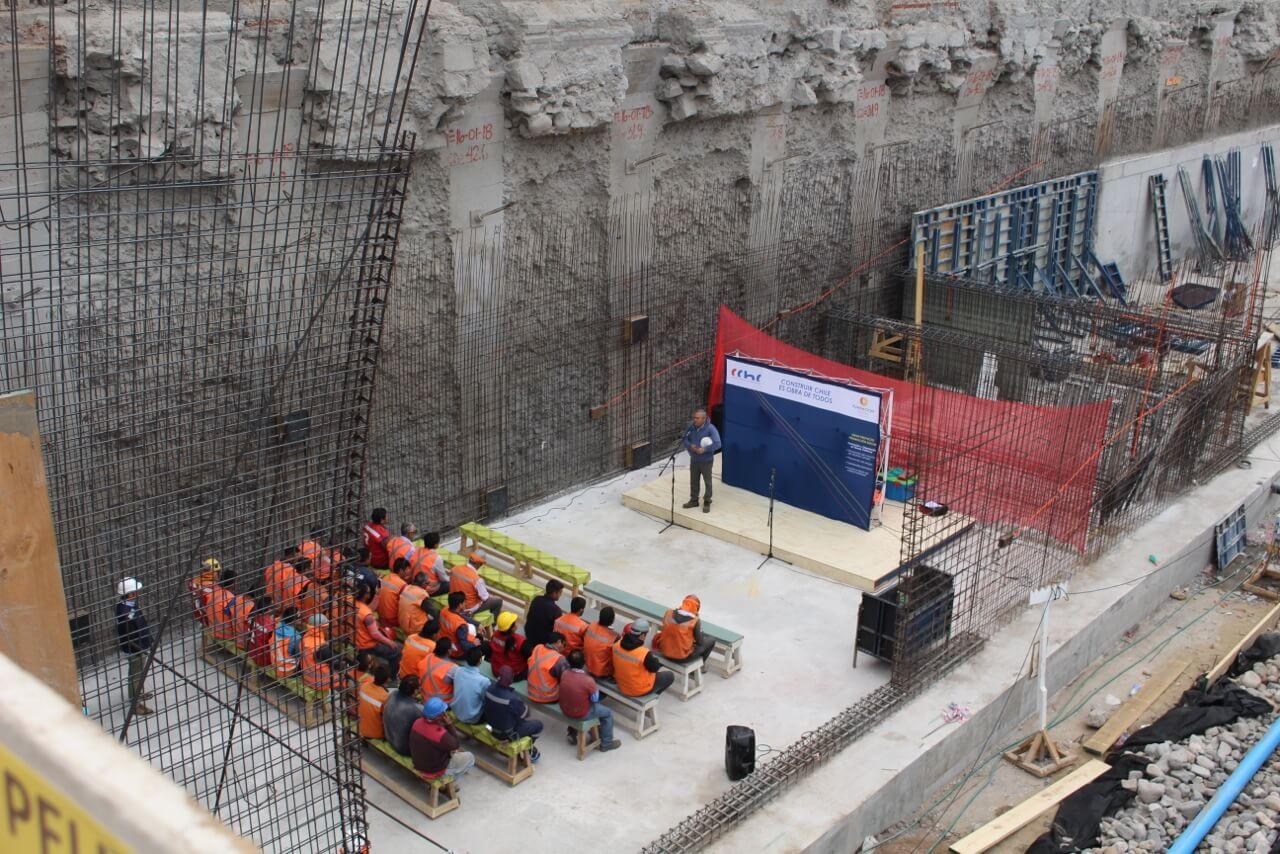 Celebración-Dia-del-trabajador-de-la-construcción-constructora-rencoret-edificio-san-lorenzo-La-serena