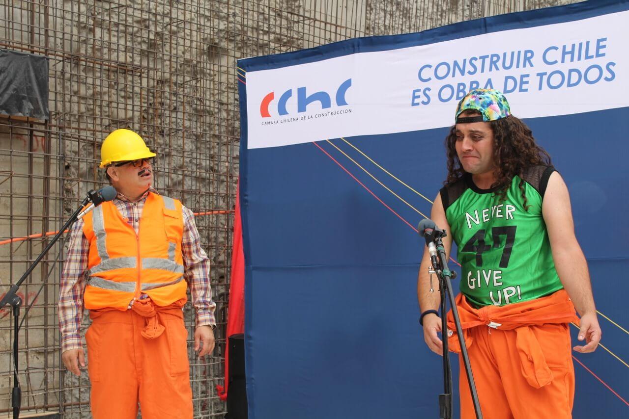 Obra-de-teatro-Dia-del-trabajador-de-la-construcción-constructora-rencoret-edificio-san-lorenzo-La-serena-