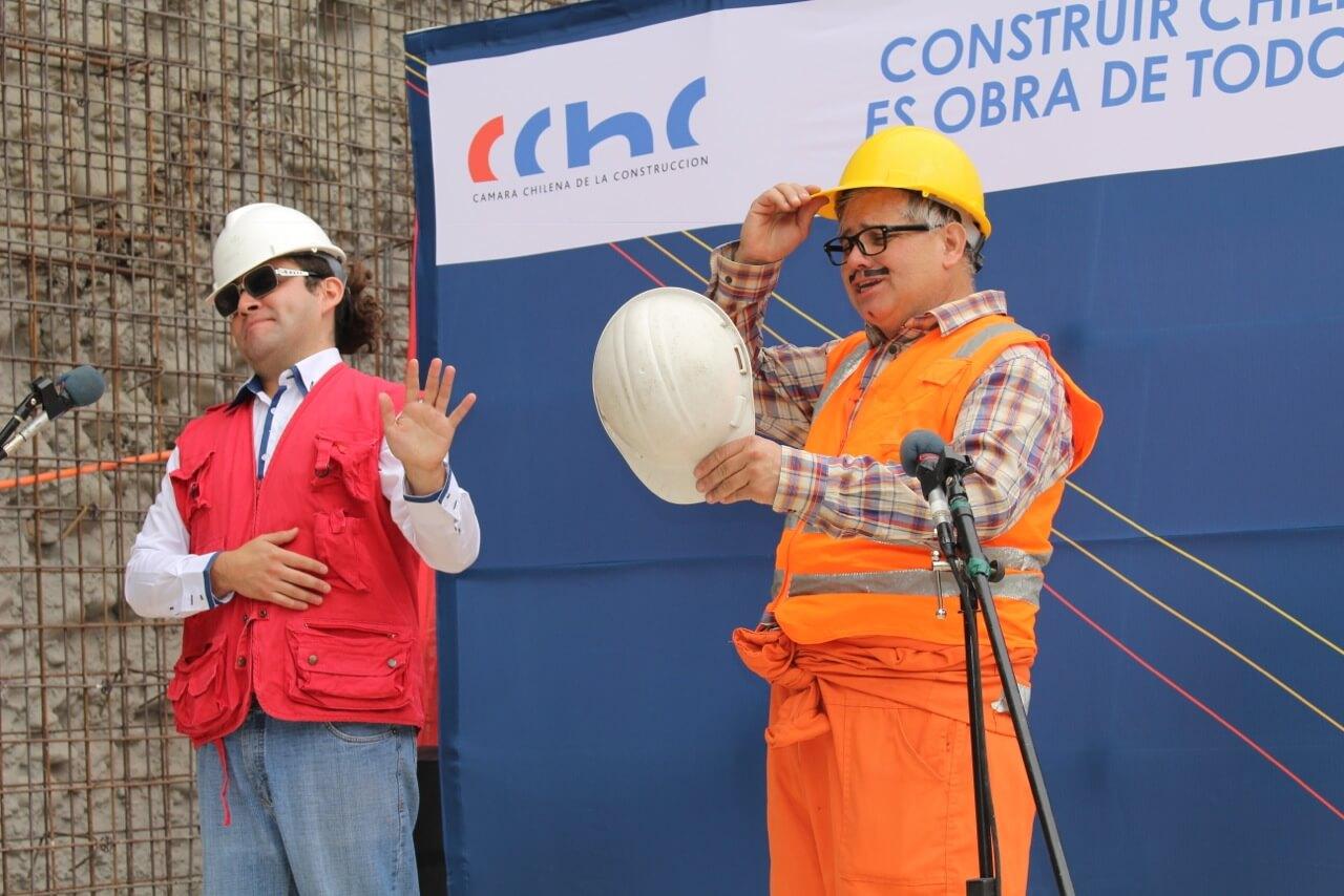 Obra-de-teatro-Dia-del-trabajador-de-la-construcción-constructora-rencoret-obra-san-lorenzo-La-serena