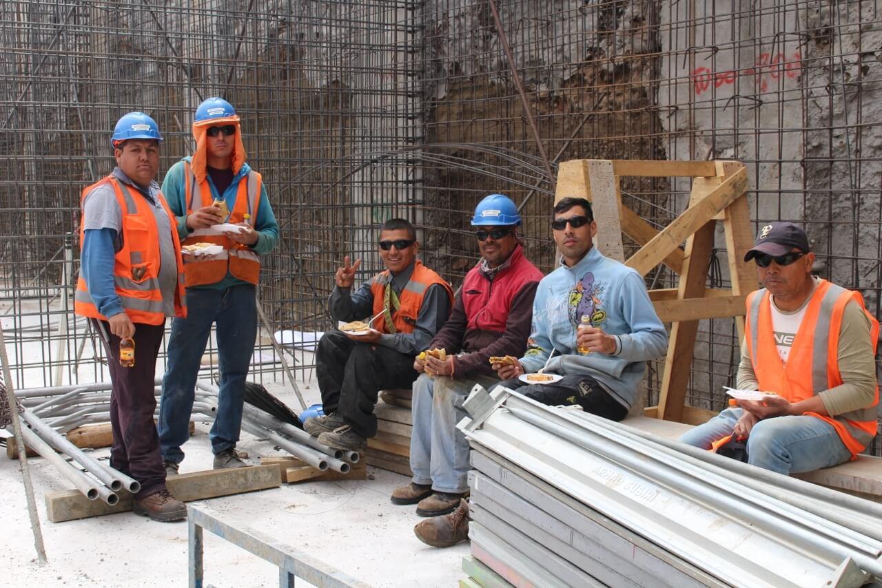 convivencia-Dia-del-trabajador-de-la-construcción-constructora-rencoret-edificio-san-lorenzo-La-serena