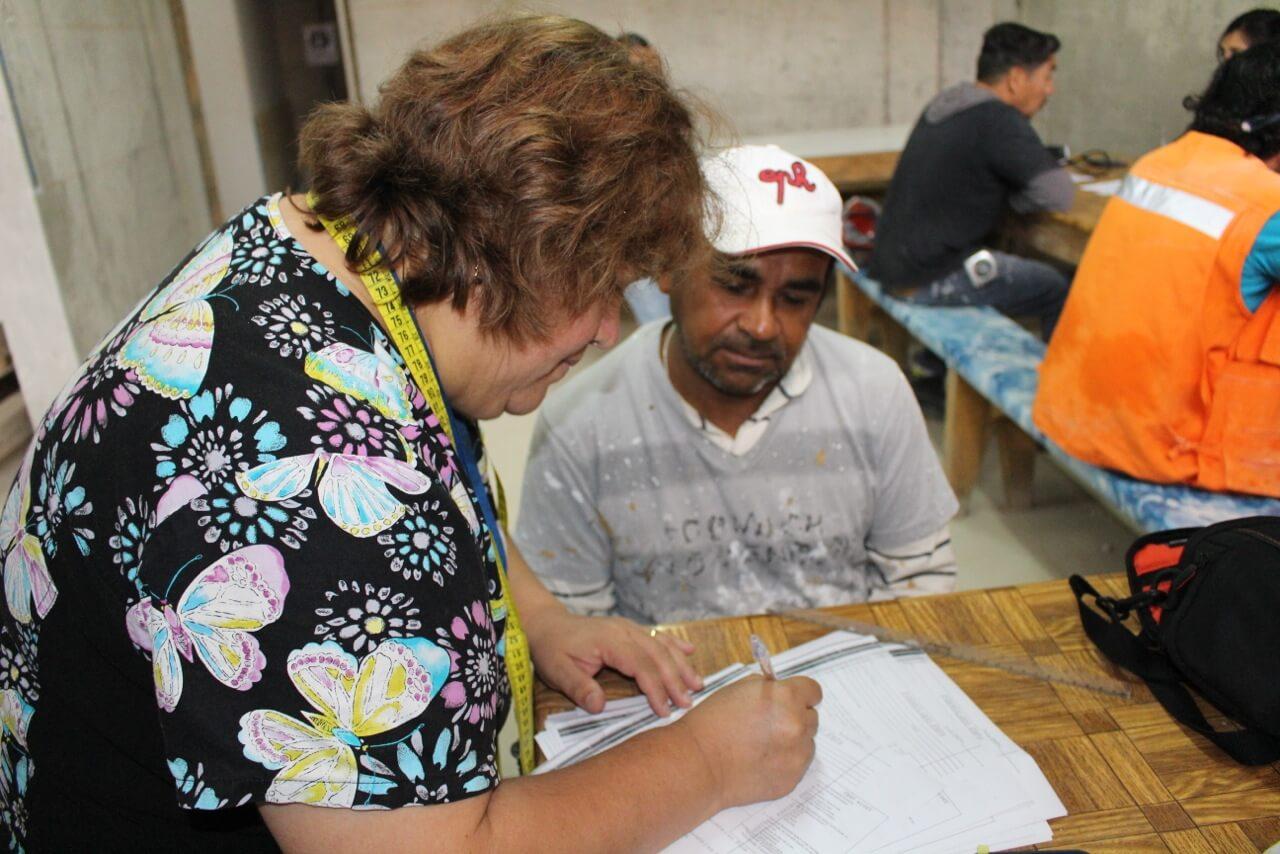 examen-preventivo-en-obra-alto-miramar-EMPA-trabajadores-constructora-rencoret-coquimbo