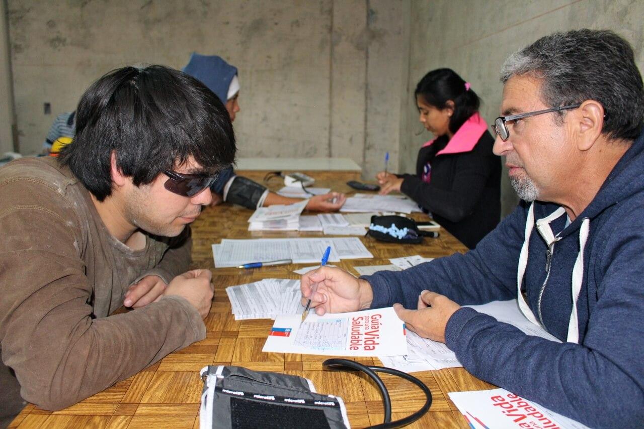 examen-preventivo-en-obra-constructora-rencoret-trabajadores