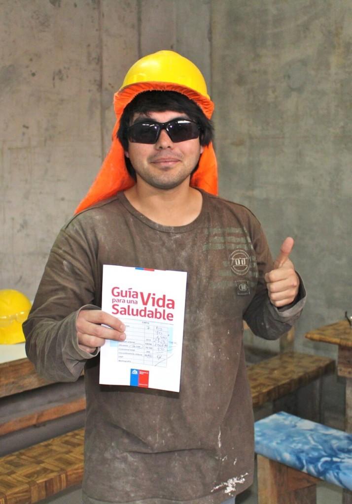 trabajadores-realizan-examen-preventivo-en-obra-constructora-rencoret-trabajadores-alto-miramar-coquimbo