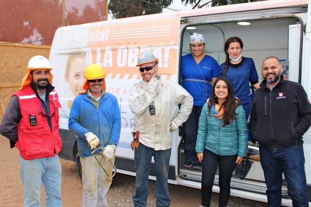 Constructora-Rencoret-Operativo-Dental-en-faena-Trabajadores-CCHC-Obra-Polideportivo-Las-Compañías-LA-Serena
