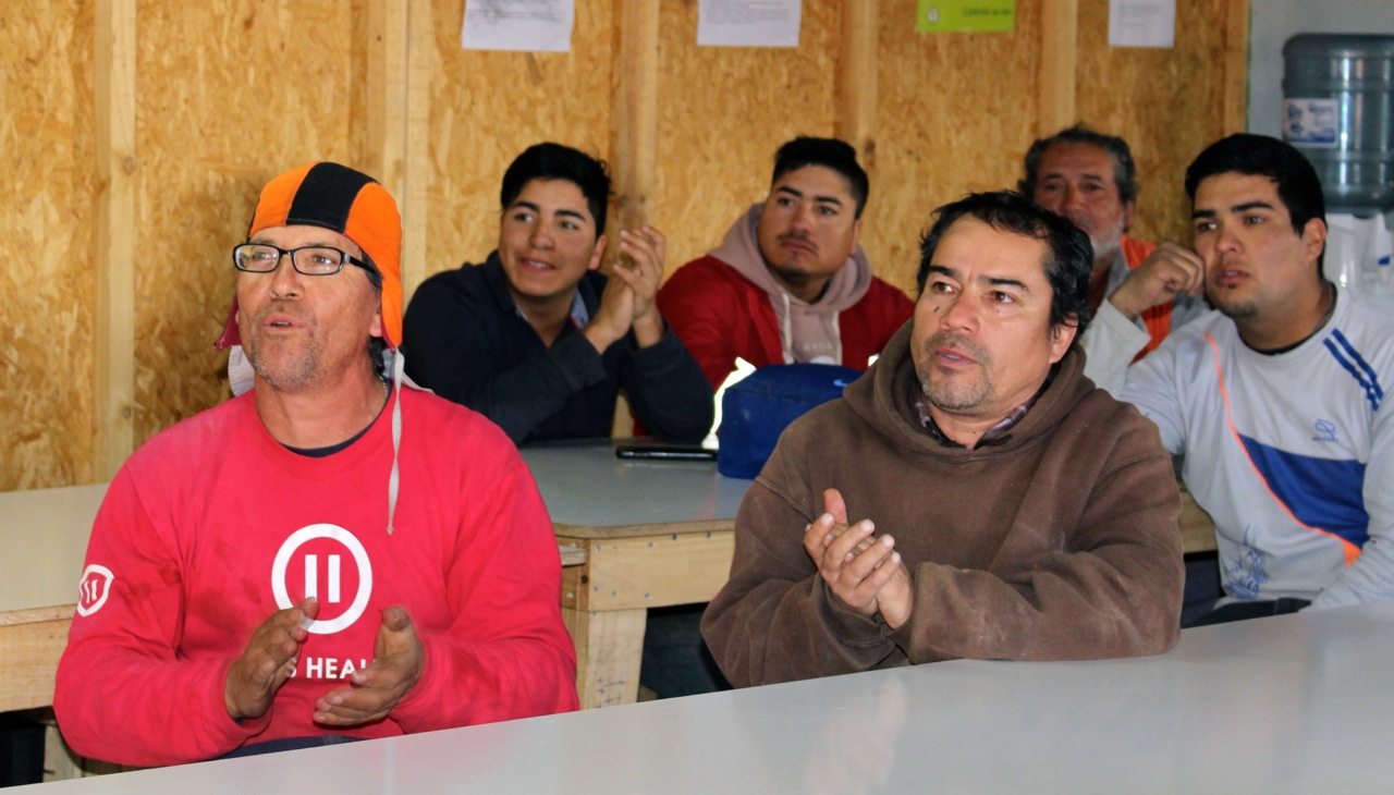 Constructora-Rencoret-Intervencion-artistica-a-trabajadores-obra-Polideportivo-Las-Compañías-La-Serena-10