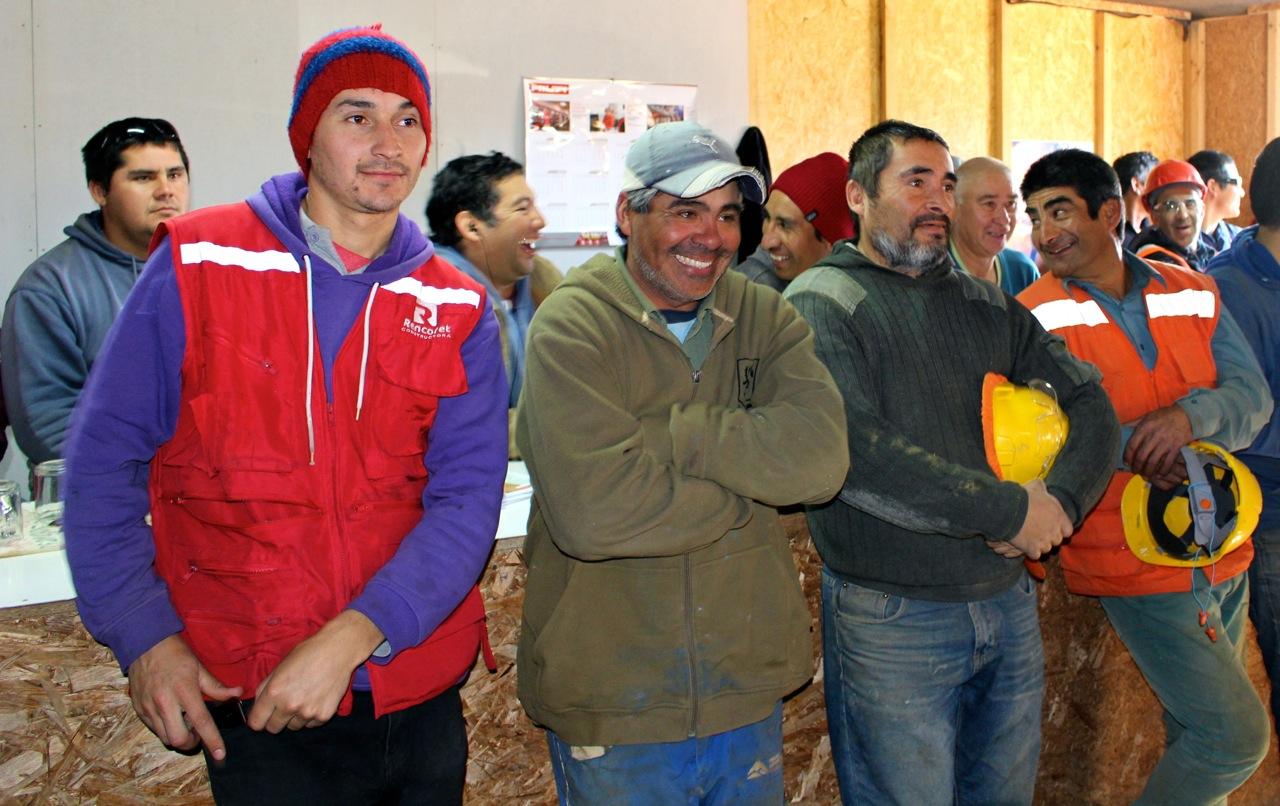Constructora-Rencoret-Intervencion-artistica-a-trabajadores-obra-Polideportivo-Las-Compañías-La-Serena-14
