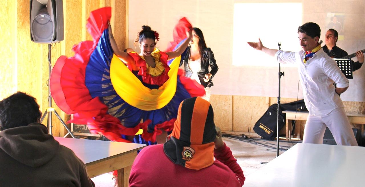 Constructora-Rencoret-Intervencion-artistica-a-trabajadores-obra-Polideportivo-Las-Compañías-La-Serena-16