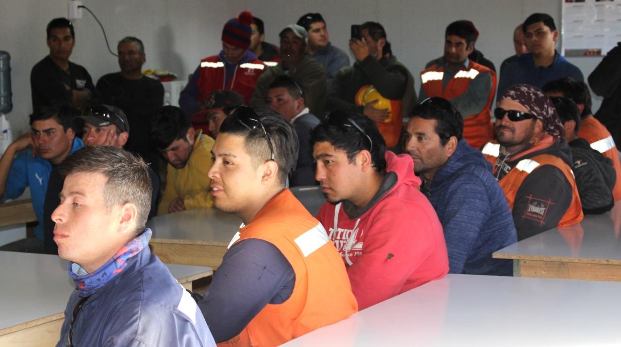 Constructora-Rencoret-Intervencion-artistica-a-trabajadores-obra-Polideportivo-Las-Compañías-La-Serena-8