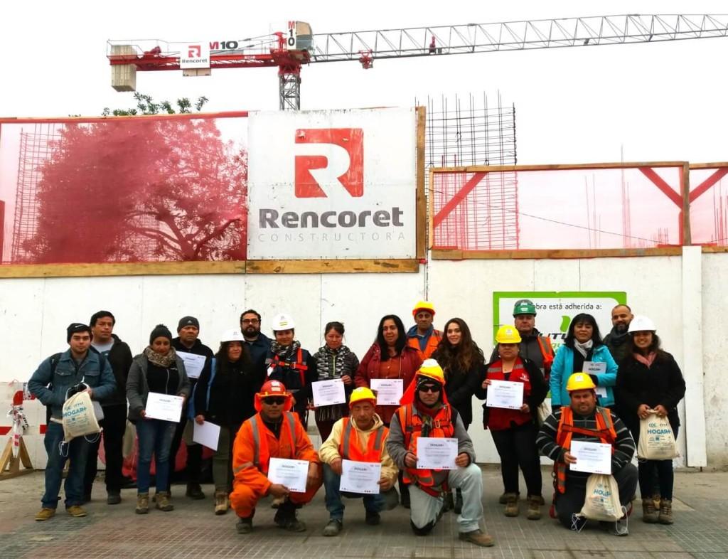 Trabajadores-constructora-rencoret-participan-en-taller-Hogar+-de-sustentabilidad-domiciliaria