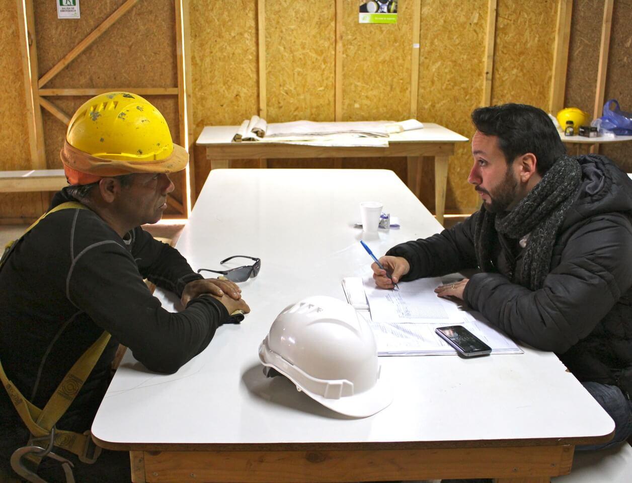 asesoría-social-a-trabajadores-constructora-rencoret-oba-polideportivo-las-compañías-La-Serena
