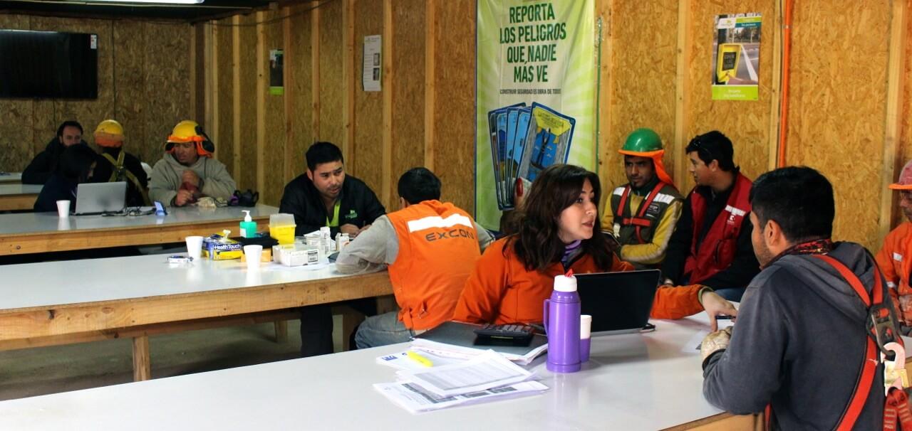 operativo-social-para-trabajadores-constructora-rencoret-oba-polideportivo-las-compañías-La-Serena