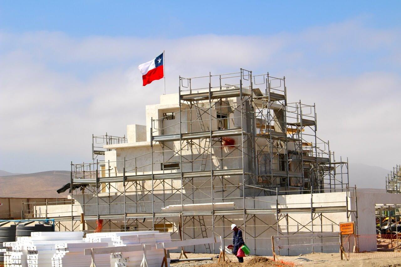 Constructora-Rencoret-celebra-dia-del-trabajador-de-la-construcción-en-su-obra-condominio-Punta-Golf