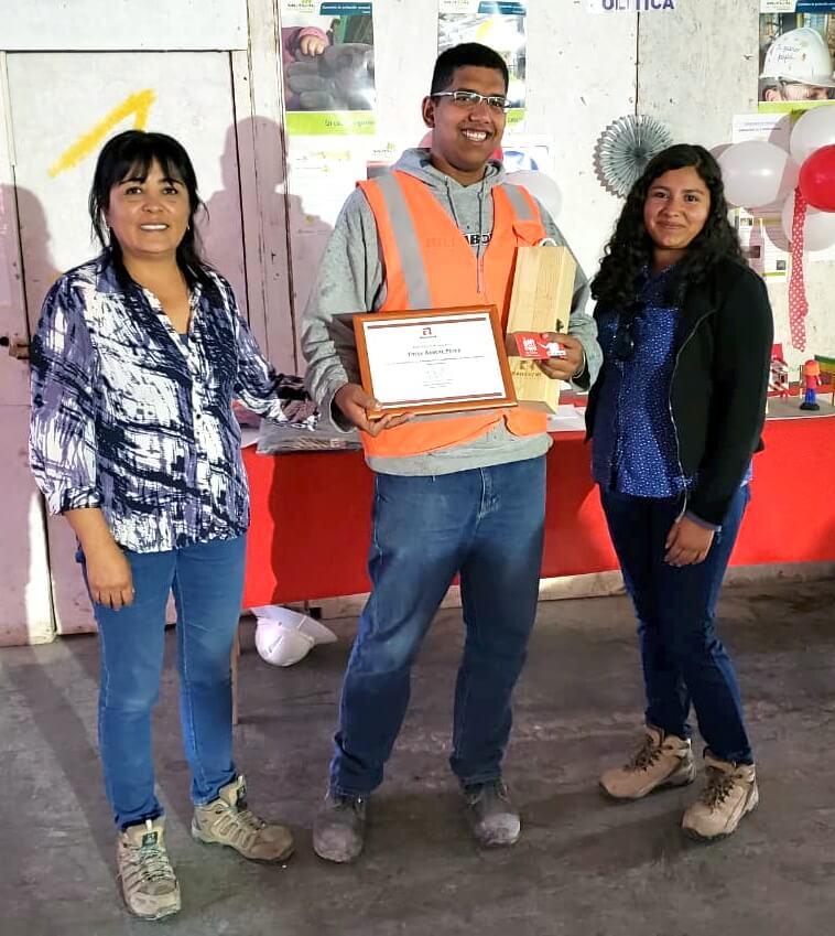 Constructora-Rencoret-celebra-dia-del-trabajador-de-la-construcción-en-sus-obras-premiación-edificio-san-lorenzo