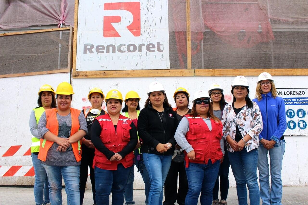Constructora-Rencoret-reportaje-equipo-de-mujeres-obra-en-el-centro-de-la-serena-edificio-san-lorenzo