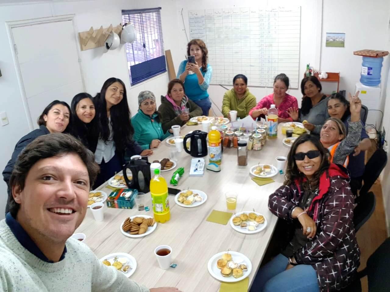 celebracion-dia-de-la-mujer-trabajadoras-constructora-rencoret-Condominio-Punta-Golf-La-Serena