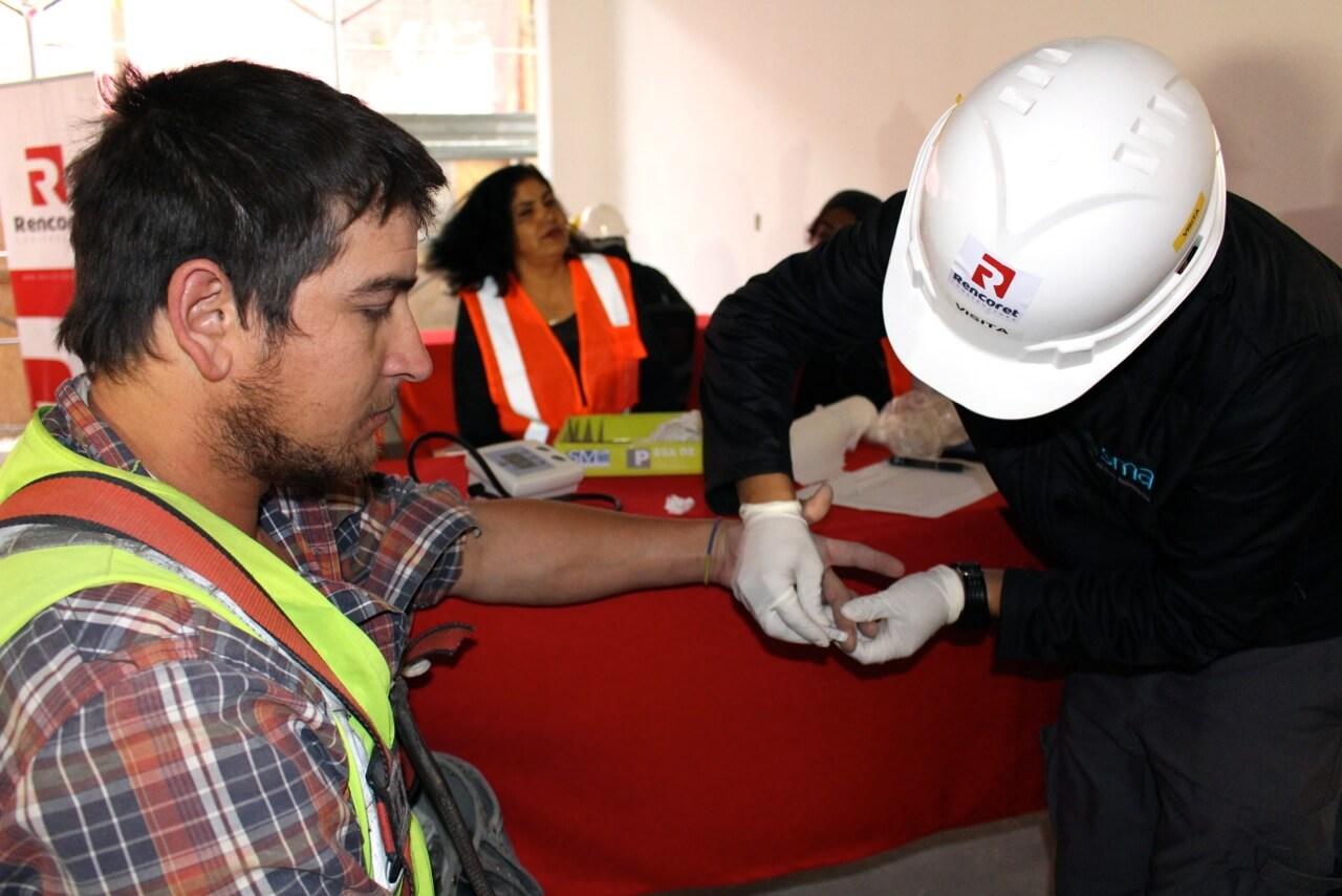 operativo-social-y-Visita-presidente-CCHC-La-Serena-Obra-Constructora-Rencoret-Edificio-San-Lorenzo3