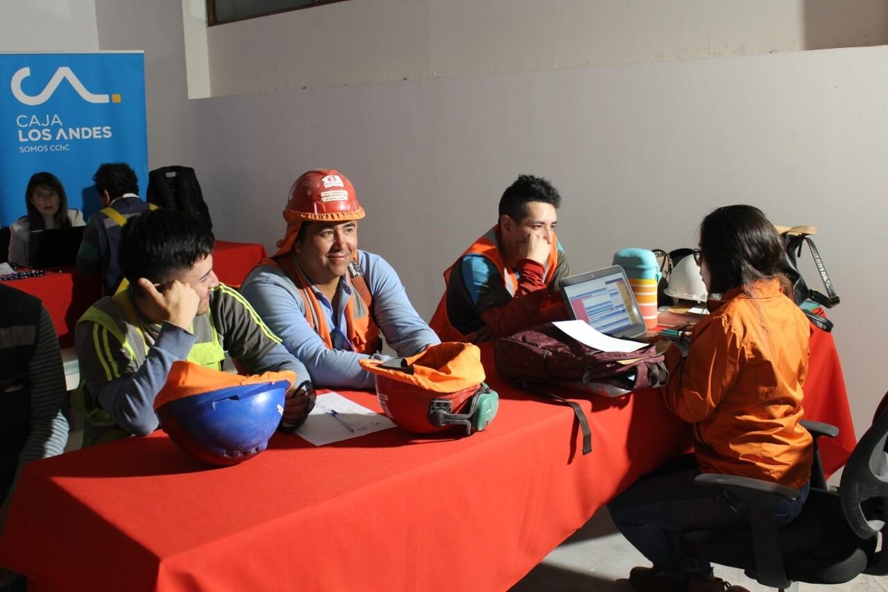operativo-social-y-Visita-presidente-CCHC-La-Serena-Obra-Constructora-Rencoret-Edificio-San-Lorenzo6