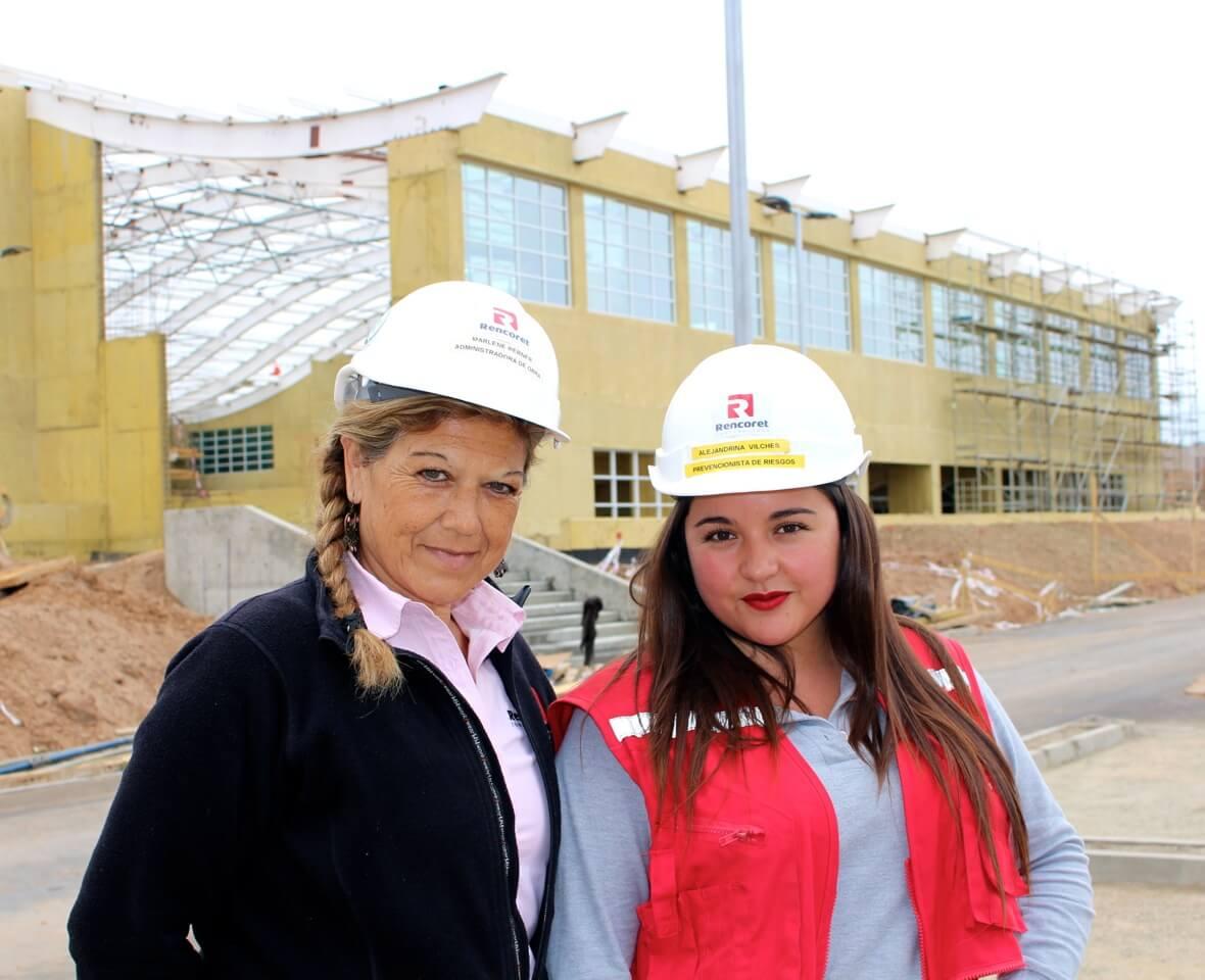 reportaje-equipo-de-mujeres-obra-en-las-compañias--la-serena-Polideportivo-las-compañias