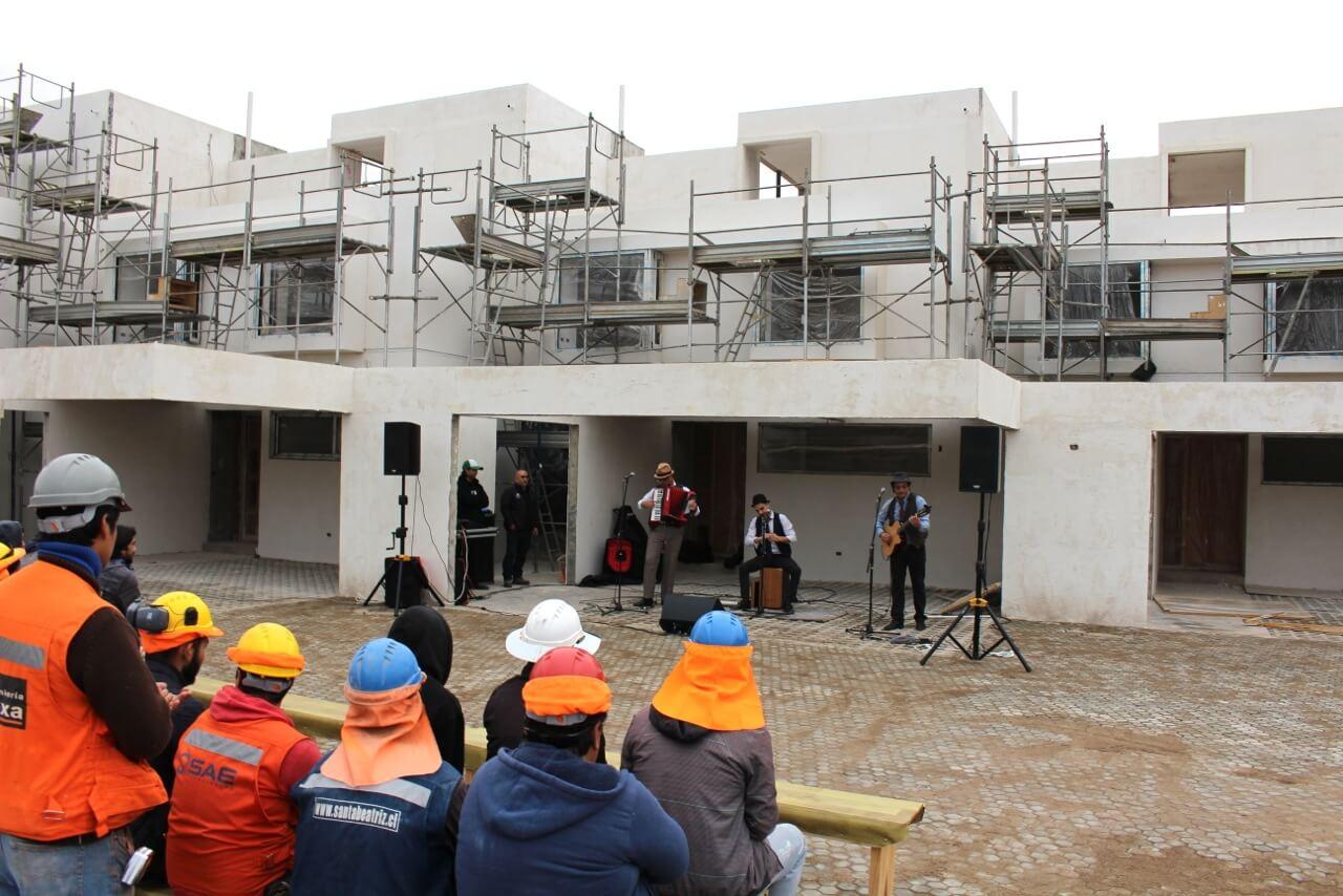 trabajadores-constructora-rencoret-la-serena-golf-intervención-cultural-en-faena